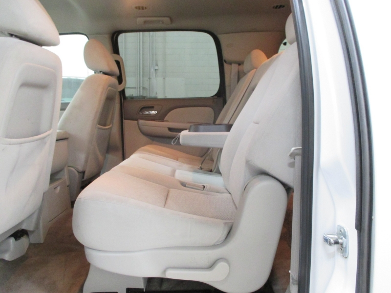 Chevrolet Suburban 2008 price $17,450