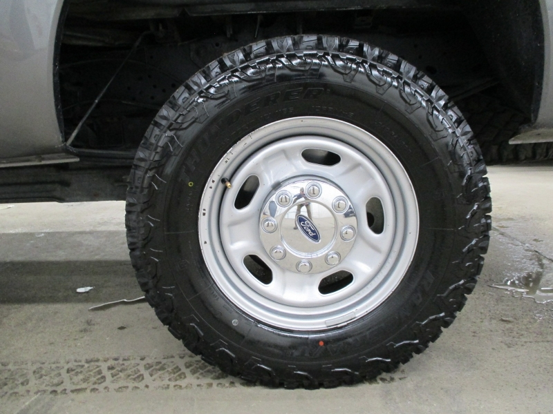 Ford Super Duty F-250 XL 4WD 2012 price $17,900