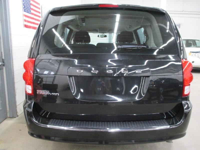 Dodge Grand Caravan 2016 price $11,450