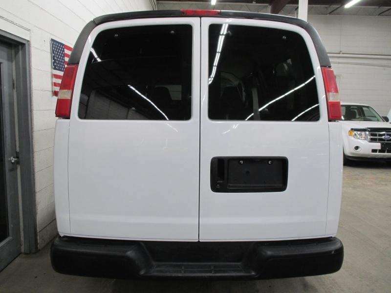GMC Savana Passenger 2006 price $8,900