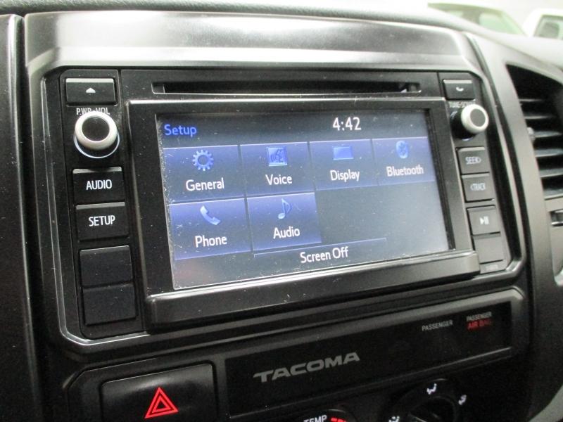 Toyota Tacoma 2015 price $11,900