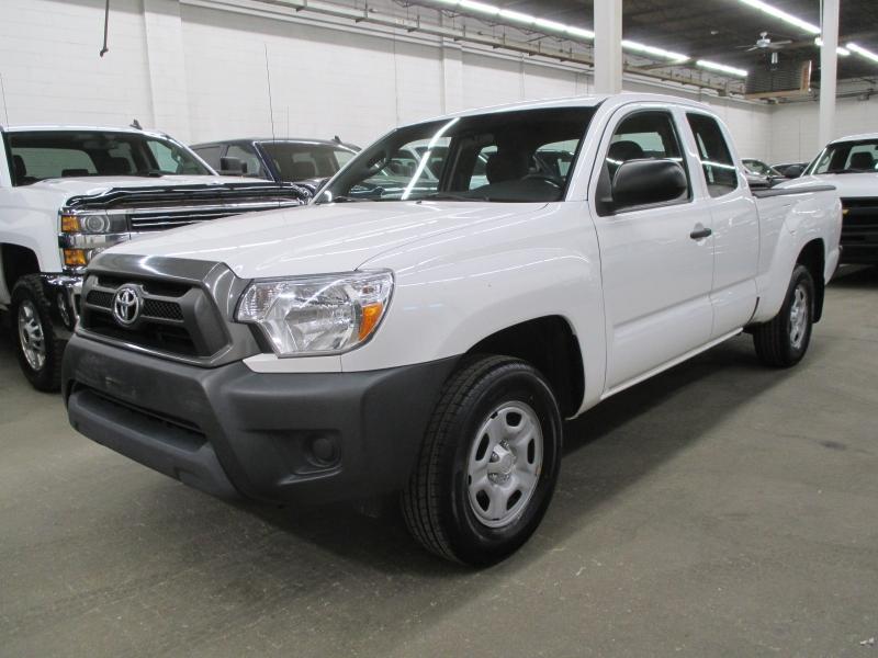 Toyota Tacoma 2015 price $12,450