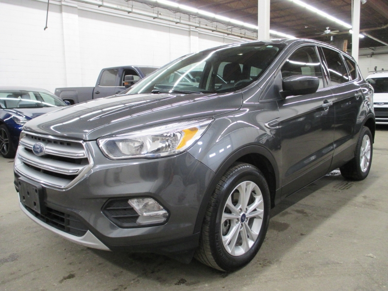 Ford Escape 2017 price $11,450