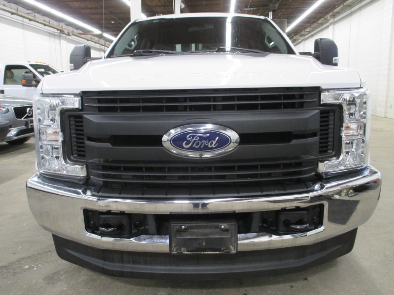 Ford Super Duty F-350 SRW 2017 price $28,900
