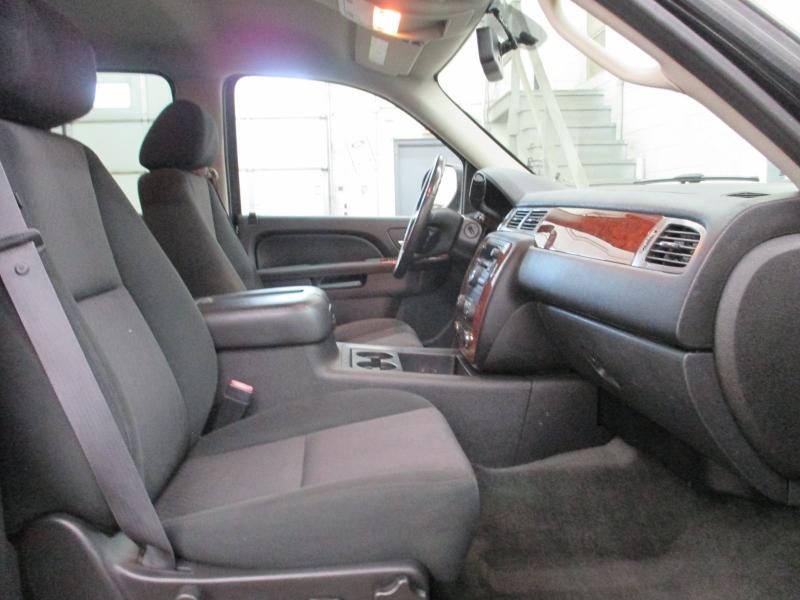 Chevrolet Suburban 2011 price $13,900