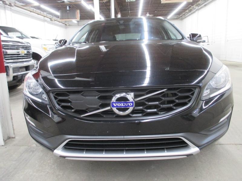 Volvo V60 Cross Country 2016 price $14,950