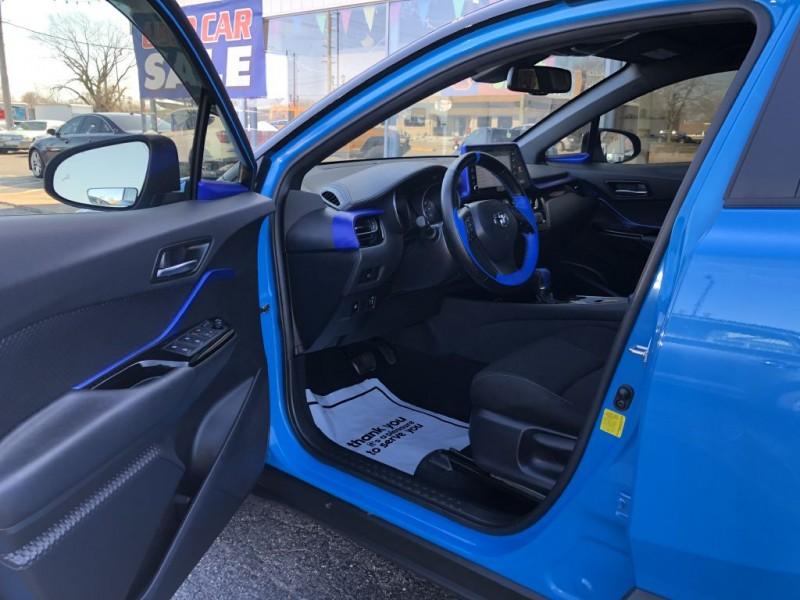 TOYOTA C-HR 2019 price $18,995