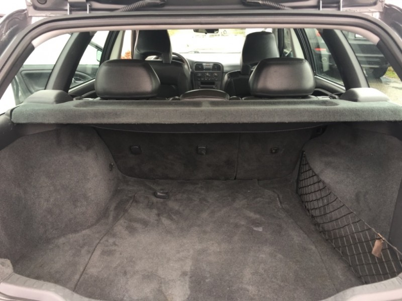 Volvo V 40 2003 price $3,499