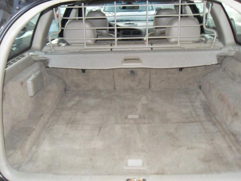 Volvo V70 2003 price $3,900