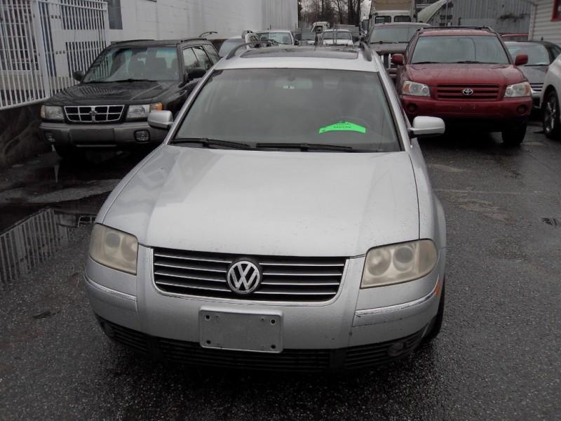 Volkswagen Passat 2003 price $3,900
