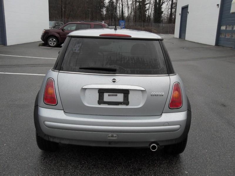 Mini  2003 price $4,999