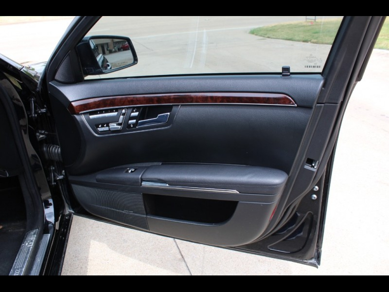 Mercedes-Benz S-Class 2012 price $17,499