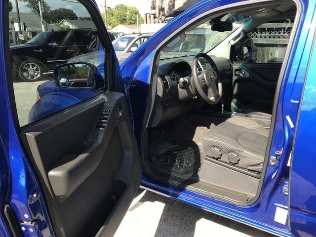 Nissan Frontier Crew Cab 2014 price $19,850
