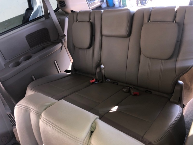 CHRYSLER TOWN & COUNTRY 2015 price $8,995