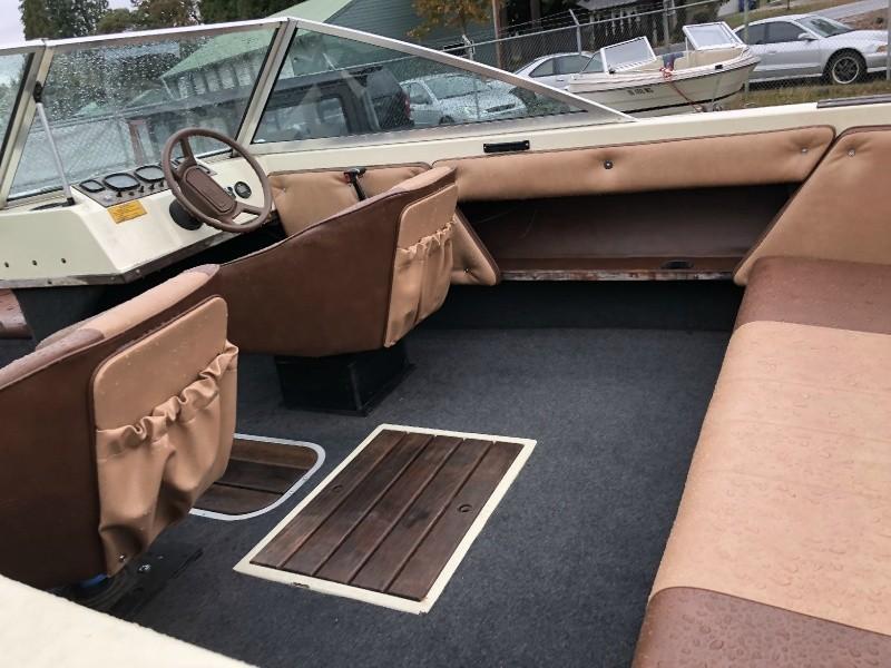 Seaswirl OPEN BOW V8 NEW UPHOLSTERY 1984 price $3,999