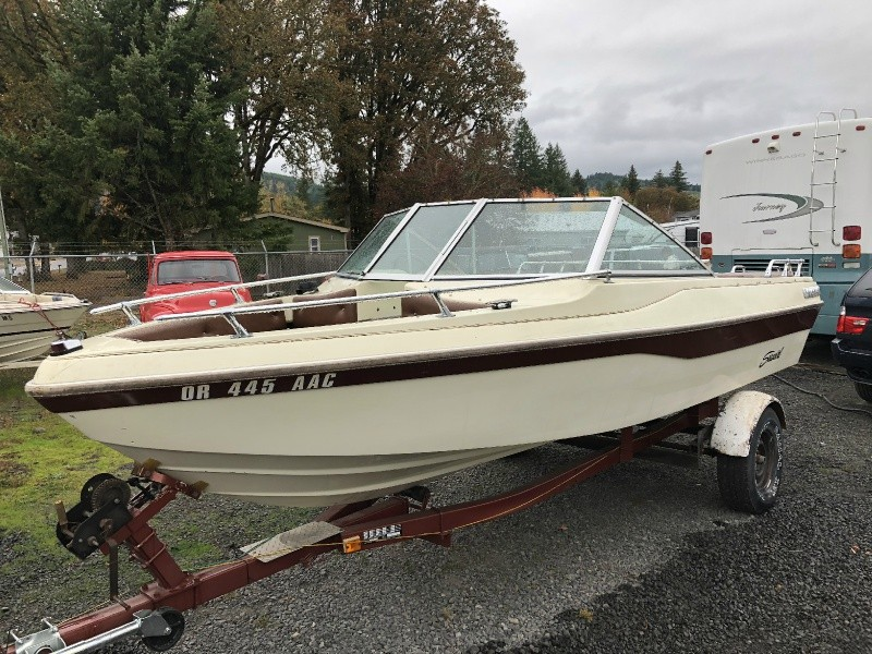 1984 Seaswirl OPEN BOW V8 NEW UPHOLSTERY