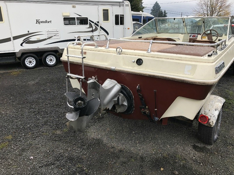 Seaswirl OPEN BOW V8 NEW UPHOLSTERY 1984 price $4,499