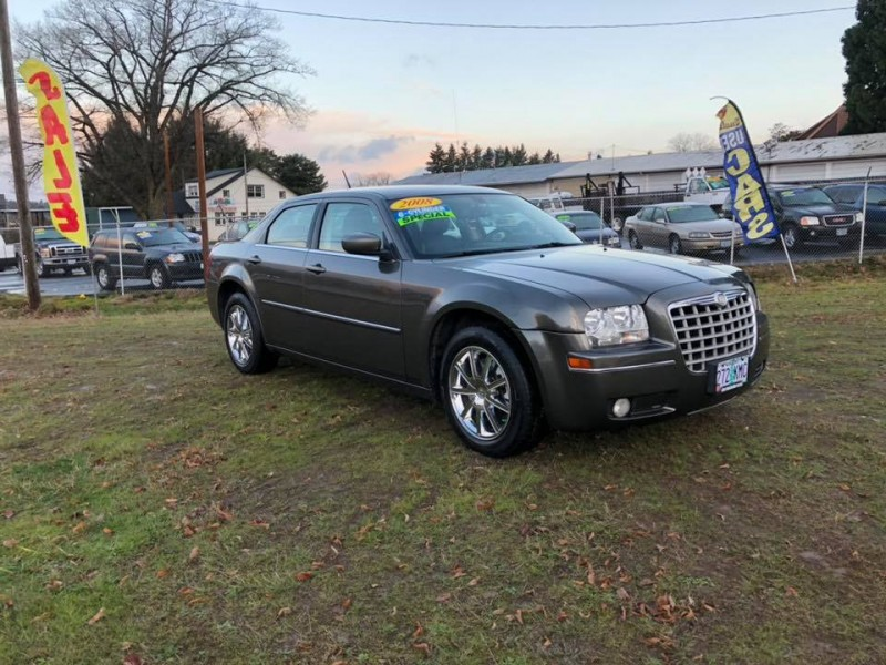 Chrysler 300 2008 price $8,497