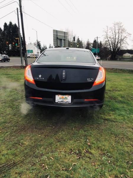 Lincoln MKS 2013 price $8,997