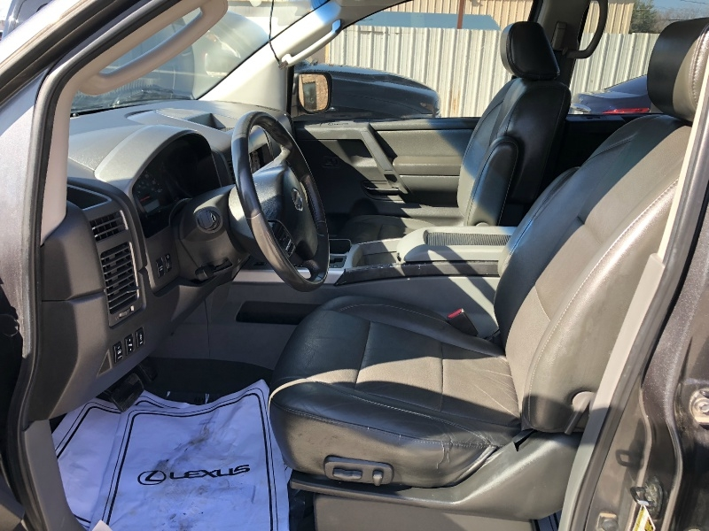 Nissan Titan 2007 price $2,000 Down