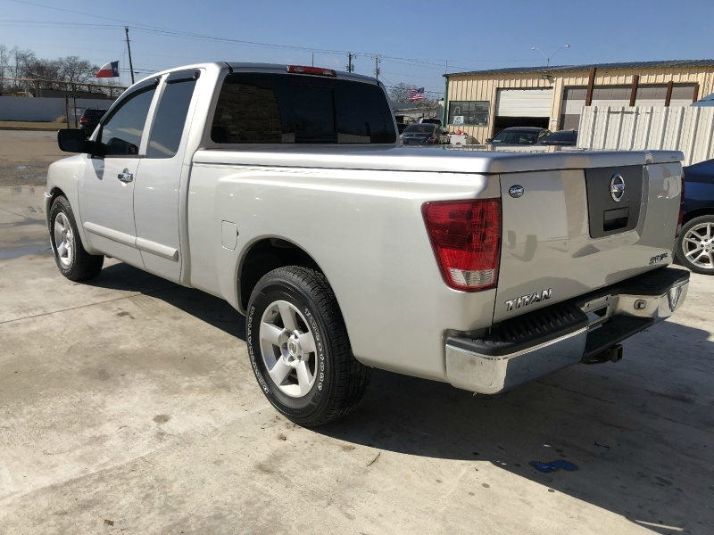 Nissan Titan 2005 price $2,000 Down