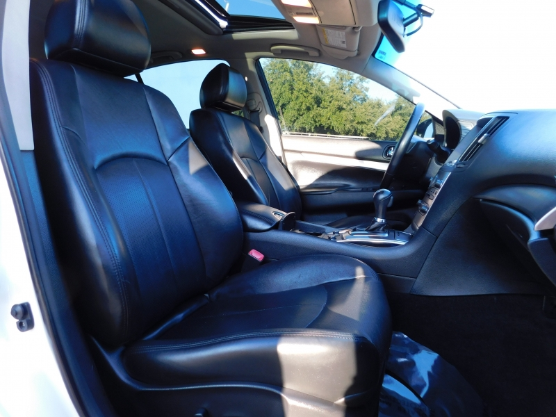 Infiniti Q40 2015 price $12,850