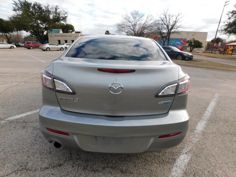 Mazda Mazda3 2013 price $6,250