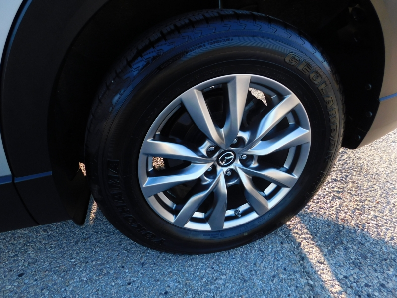 Mazda CX-9 2018 price $21,350