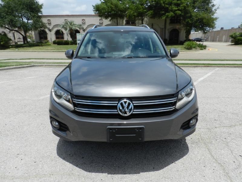 Volkswagen Tiguan 2014 price $10,850