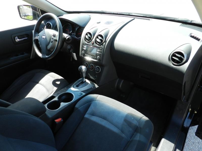 Nissan Rogue Select 2015 price $9,850