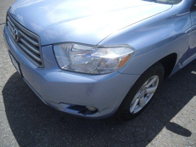 Toyota Highlander 2010 price $10,900