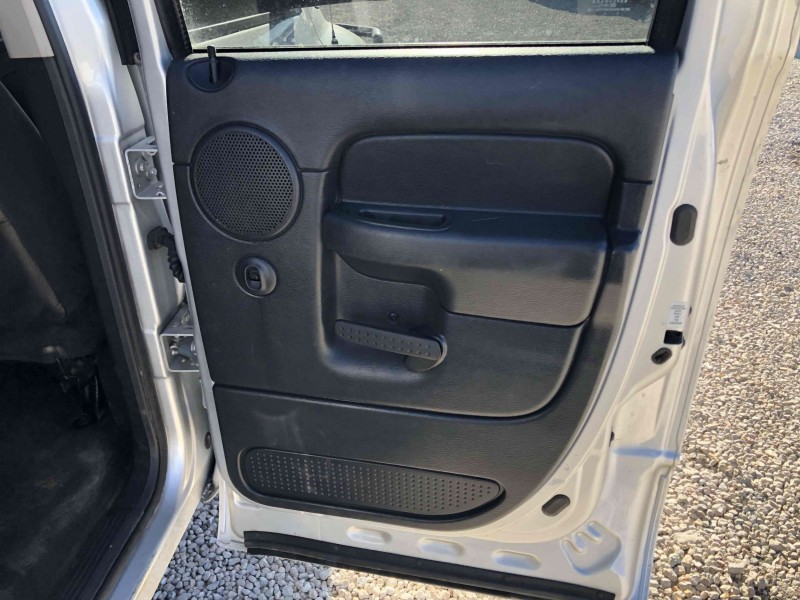 Dodge Ram Pickup 3500 2004 price $15,400