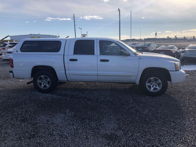 Dodge Dakota 2005 price $8,900