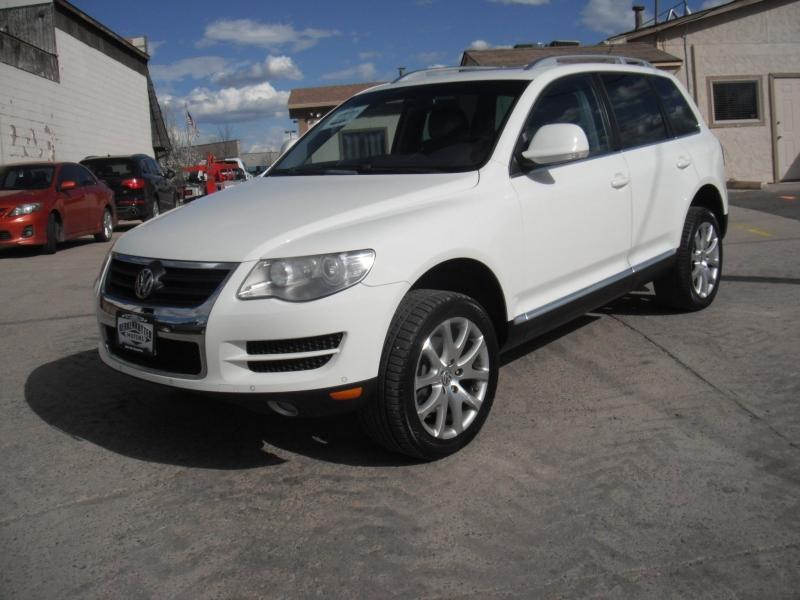 Volkswagen Touareg 2 2009 price $10,900