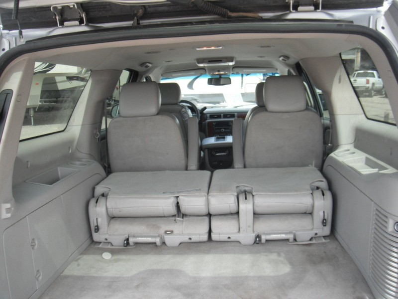 Chevrolet Suburban 2011 price $12,900