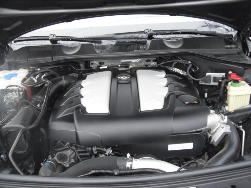 Volkswagen Touareg 2012 price $11,995