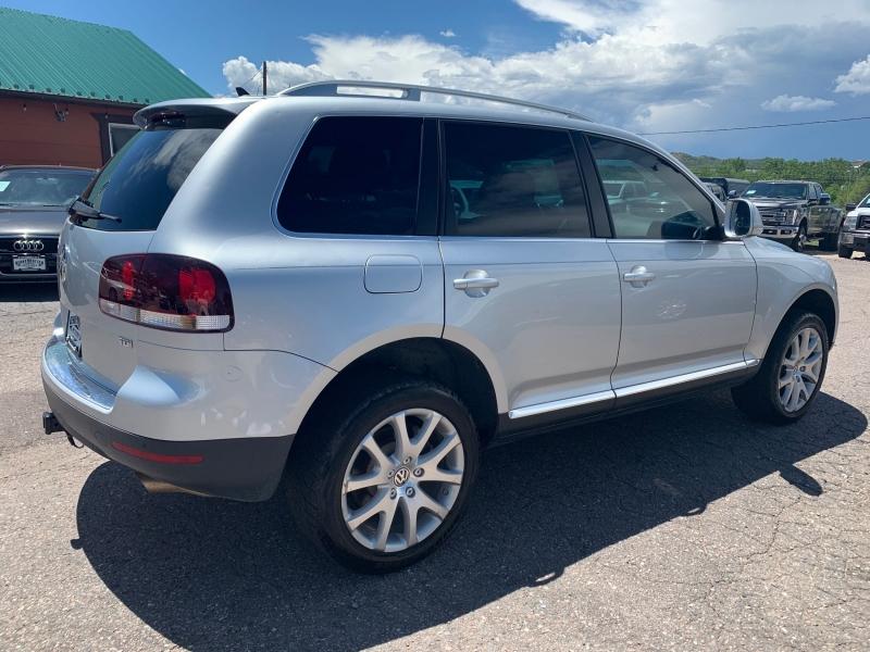 Volkswagen Touareg 2010 price $11,900