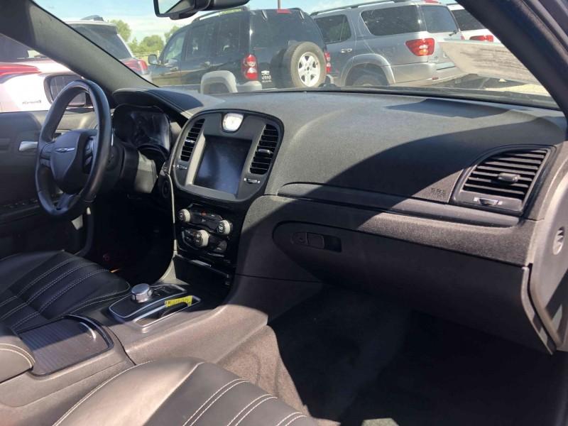 Chrysler 300 2016 price $21,400