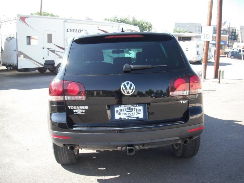 Volkswagen Touareg 2010 price $10,900
