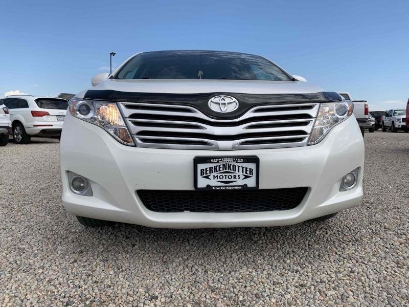 Toyota Venza 2011 price $12,800