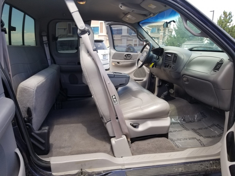 Ford F-150 2000 price $7,900