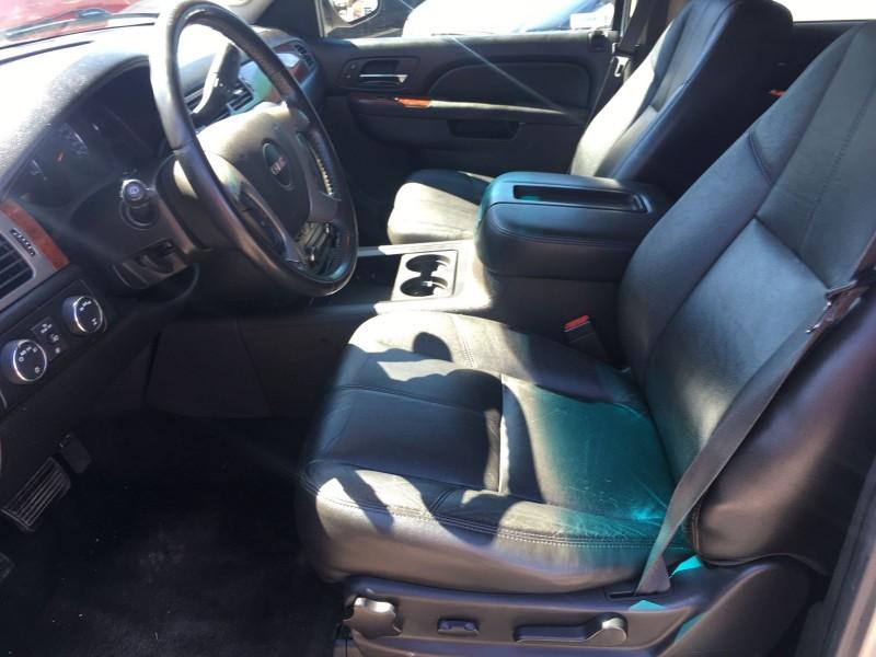 GMC Yukon XL 2013 price $13,900