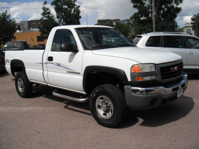 GMC Sierra 2500HD 2004 price $9,900