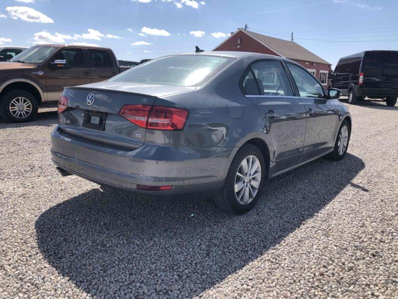 Volkswagen Jetta 2015 price $12,900
