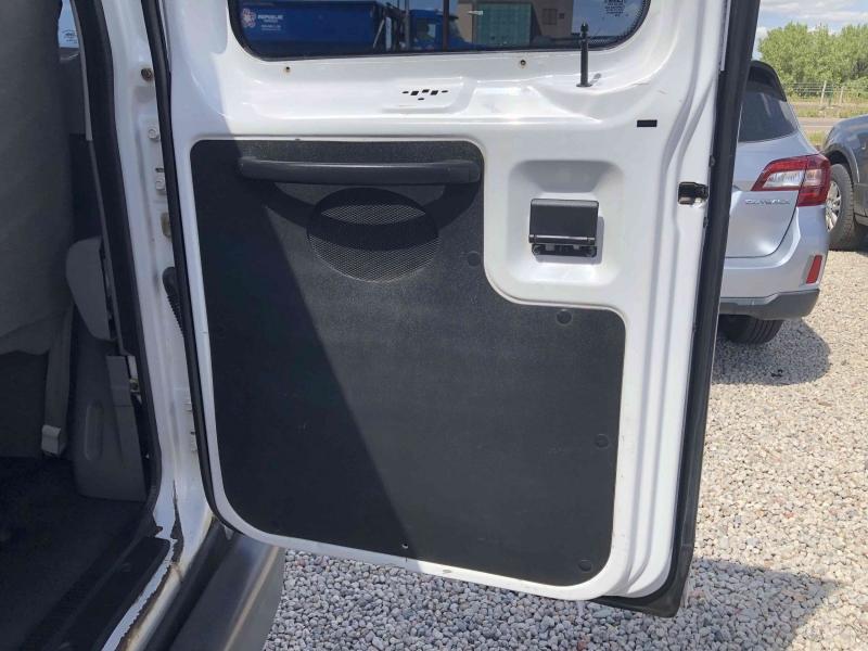 Ford E-Series Wagon 2005 price $9,900
