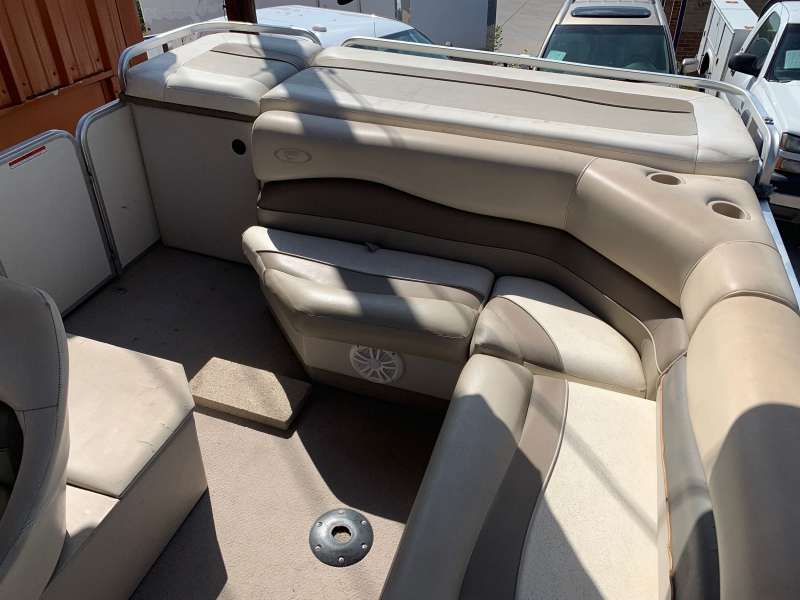 FISHER BOAT FREEDOM 200 2002 price $9,995