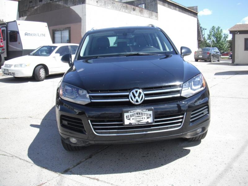 Volkswagen Touareg 2012 price $15,900