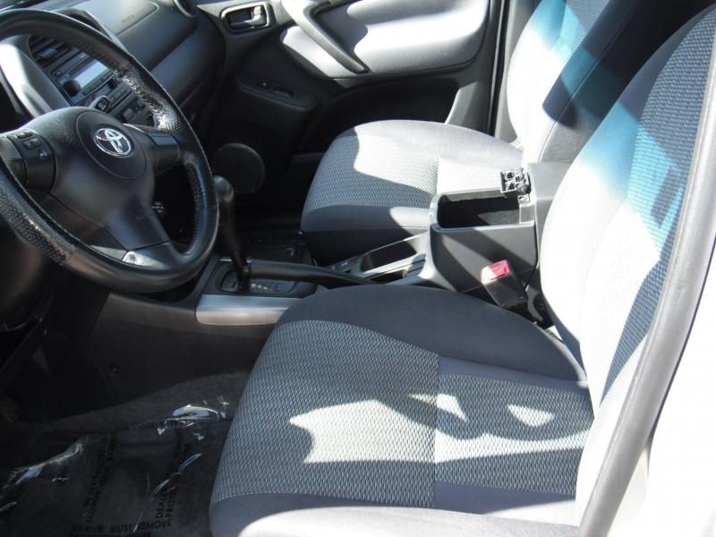 Toyota RAV4 2004 price $8,900