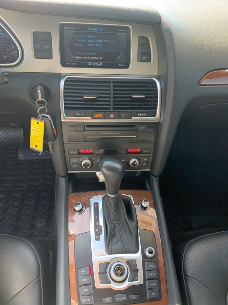 Audi Q7 2011 price $17,900