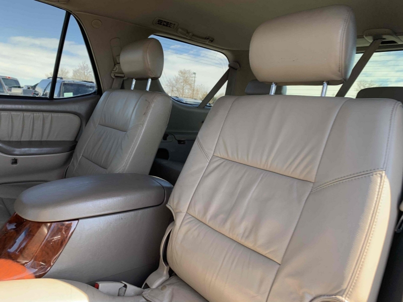 Toyota Sequoia 2005 price $8,900